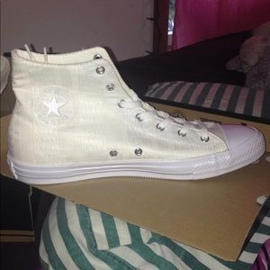New In Box White All Star Converse High Tops